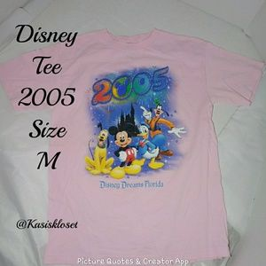 🎈4/$20🎈Disney Pink 2005 Tee Size M GUC